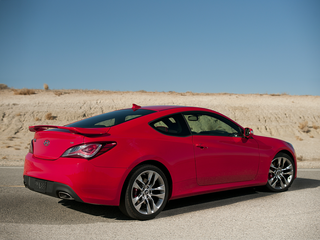 2015 Hyundai Genesis Coupe Base w/Black Seats (M6)