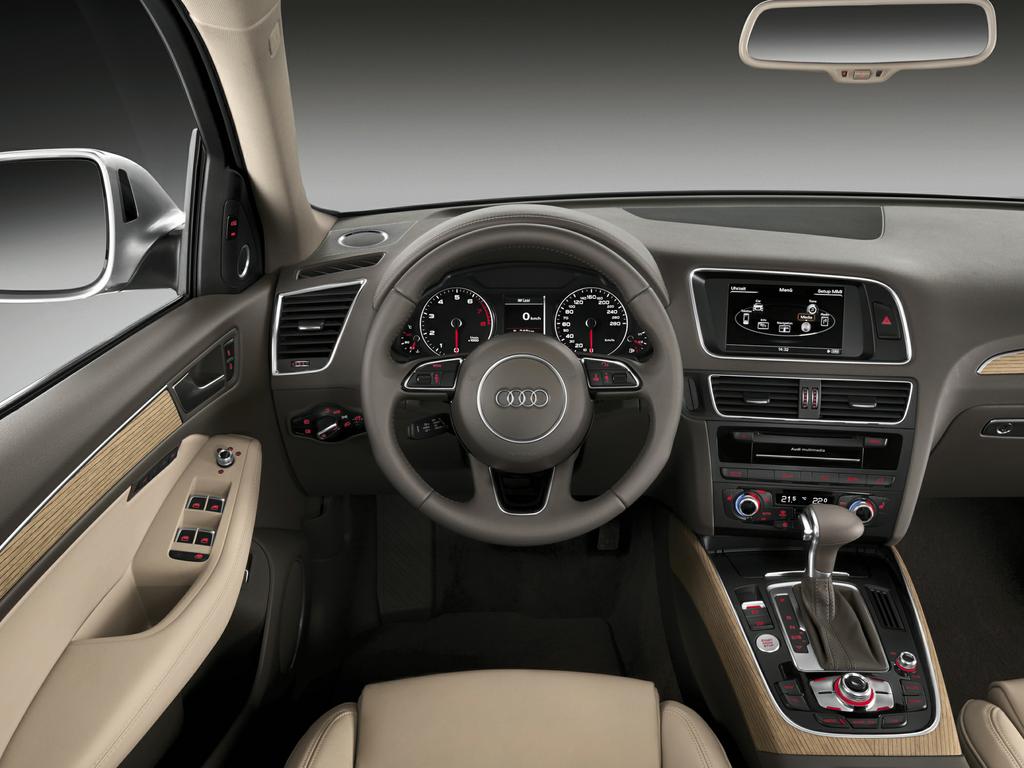 2016 Audi Q5 2.0T Premium 4 quattro Pictures and Videos - Exterior and Interior Images | Car.com