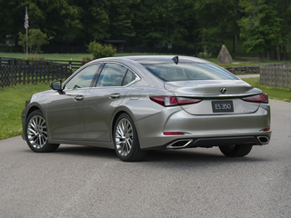 2019 Lexus ES 300h 300h Ultra Luxury 4dr Sedan
